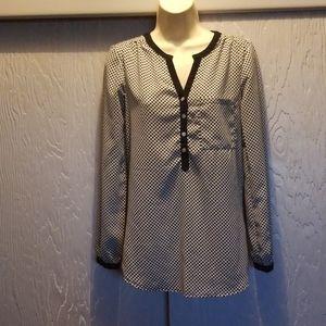 Japna black and white blouse